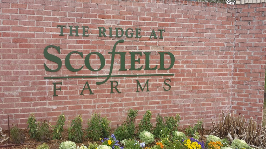 Pic of Entrance to Scofield Farms